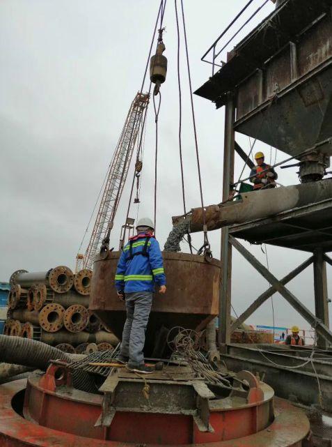 宁波舟山港主通道舟岱大桥南通航孔桥最后一根钻孔桩混凝土浇筑完成