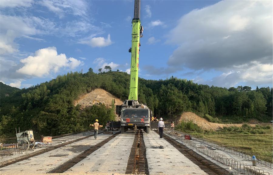 中铁八局:城通公司福建省周宁公路正风新桥架设完成