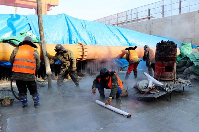 三一重工泵车浇筑现场 - 中铁十四局集团长春地铁2号线西延线汽捷区间盾构接收井顺利封顶
