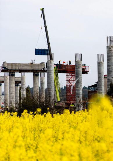 联智桥隧:常祁高速石潭湘江特大桥主墩桩基欧亿土浇筑完成