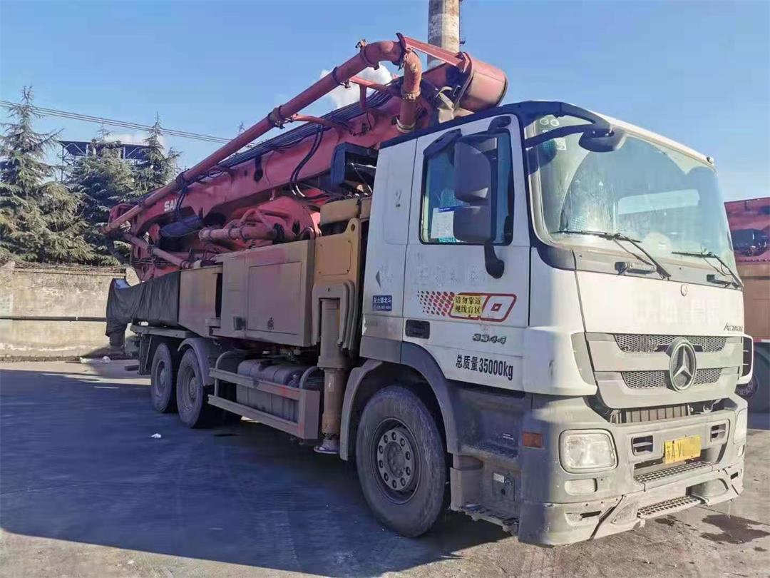 江苏南京2019年52米三一重工混凝土泵车,奔驰底盘