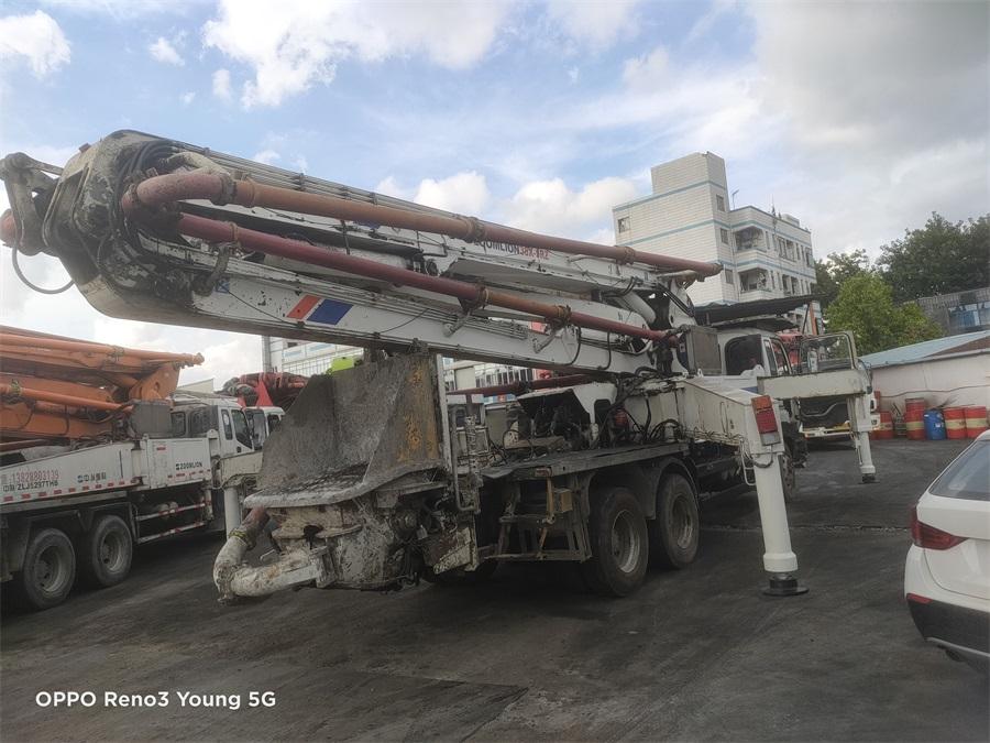 深圳2011年底38米中聯重科混凝土泵車,五十鈴底盤