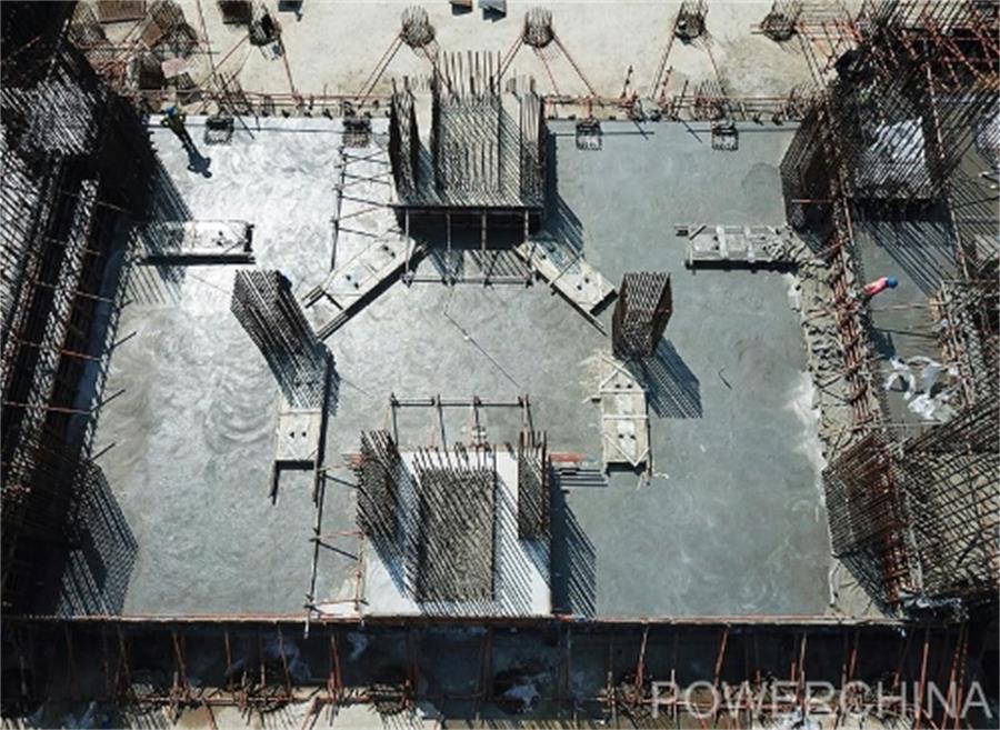 山东三建孟加拉国最大单机容量火电机组汽轮机基础底板砼浇筑完成