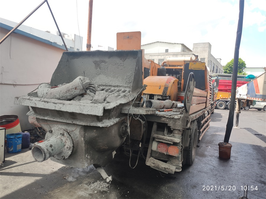 深圳2014年10020三一重工混凝土車載泵,東風天錦底盤