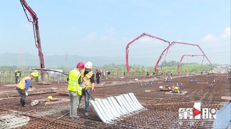 三一重工泵車澆築現場 - 重慶軌道交通5號線江津段最大單體箱梁開始混凝土澆築
