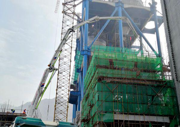 中聯重科泵車澆築現場 - 十五冶華新水泥黃石項目生料入窯A區21.35m層框架混凝土澆築完成